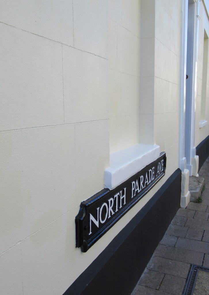 North Parade Ave
